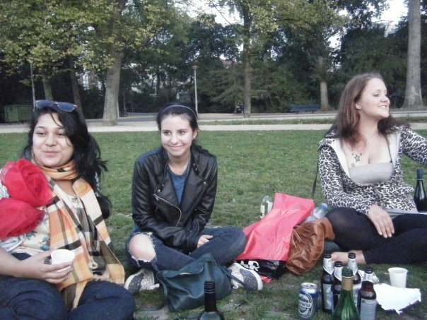 It's nice to have other au pairs to drink in parks with!